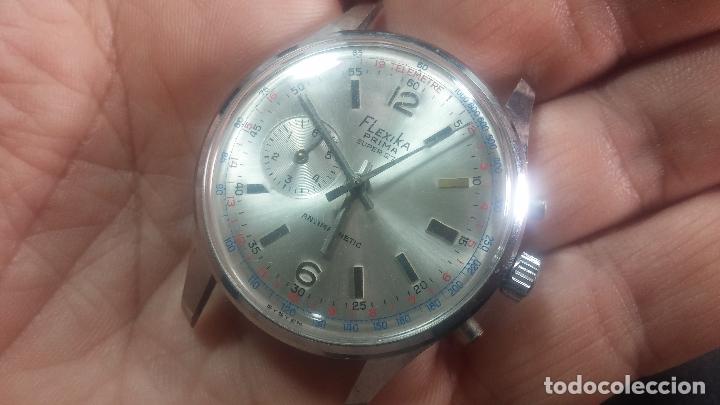 Relojes de pulsera: Botito y enorme reloj con una corona y dos pulsadores no se para qué, para reparar o para piezas - Foto 11 - 124239035