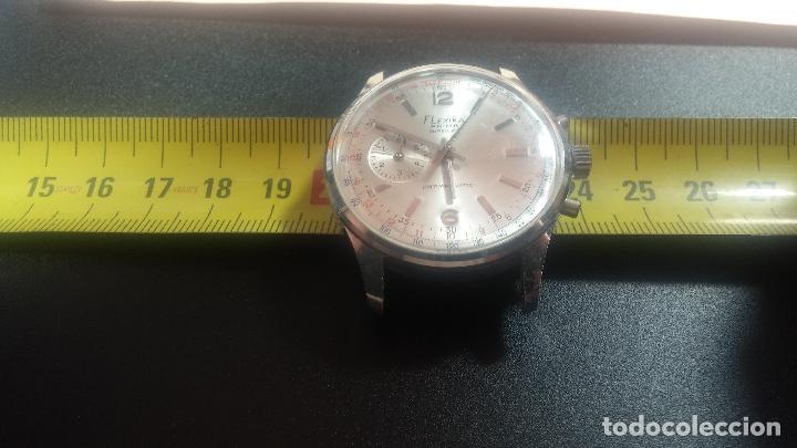 Relojes de pulsera: Botito y enorme reloj con una corona y dos pulsadores no se para qué, para reparar o para piezas - Foto 23 - 124239035