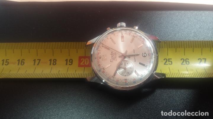 Relojes de pulsera: Botito y enorme reloj con una corona y dos pulsadores no se para qué, para reparar o para piezas - Foto 26 - 124239035