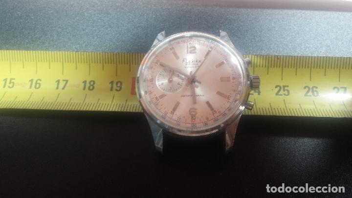 Relojes de pulsera: Botito y enorme reloj con una corona y dos pulsadores no se para qué, para reparar o para piezas - Foto 27 - 124239035