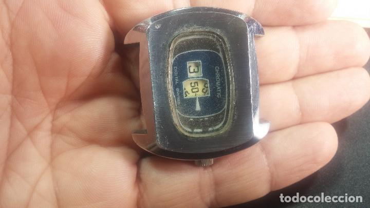 Relojes de pulsera: BOTITO, grande y curioso reloj digital antiguo de cuerda, para reparar o para piezas - Foto 10 - 124239231