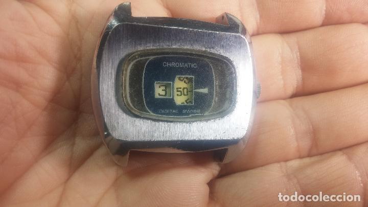 Relojes de pulsera: BOTITO, grande y curioso reloj digital antiguo de cuerda, para reparar o para piezas - Foto 12 - 124239231