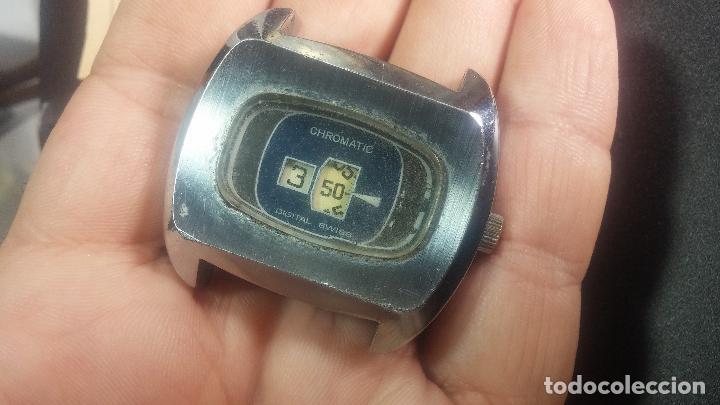 Relojes de pulsera: BOTITO, grande y curioso reloj digital antiguo de cuerda, para reparar o para piezas - Foto 14 - 124239231