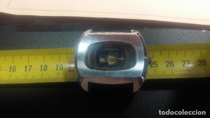 Relojes de pulsera: BOTITO, grande y curioso reloj digital antiguo de cuerda, para reparar o para piezas - Foto 19 - 124239231