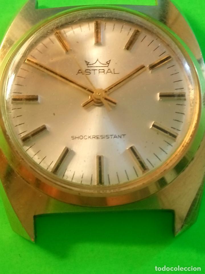 Relojes de pulsera: RELOJ ASTRAL MECANICO A CUERDA. AÑOS 80. 35 MM. S/C. FUNCIONANDO. FOTOS Y DESCRIP. - Foto 2 - 128998095