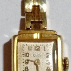 Relojes de pulsera: VINTAGE RELOJ DE MUJER MARCA LUCH MADE IN USSA - CHAPADO EN ORO . 18 X 21 M/M.-FUNCIONANDO .. Lote 132069506