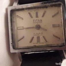 Relojes de pulsera: ANTIGUO RELOJ TITAN INCABLOC CUADRADO 17 RUBIS SWISS. Lote 133066614