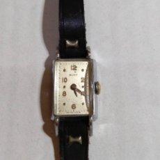 Relojes de pulsera: ANTIGUO RELOJ DE SRA BURY . MAQUINA A CUERDA SWISS MADE,34X19 M/M. CONTANDO ASAS Y CORONA .. Lote 134305518