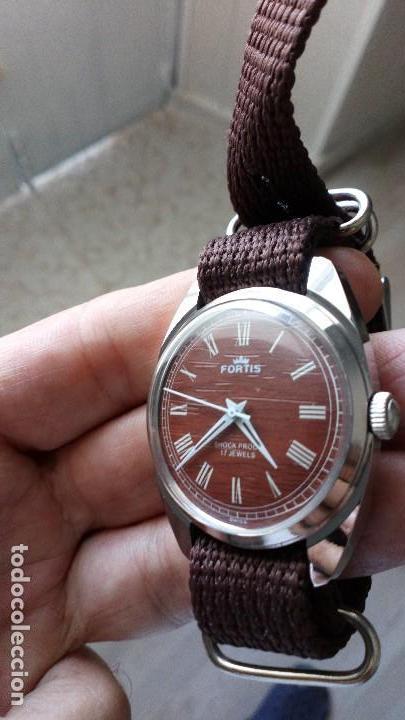 Relojes de pulsera: VINTAGE RELOJ DEPORTIVO SUIZO FORTÍS IMITACIÓN MADERA INTERIOR NUEVO. - Foto 2 - 134372798