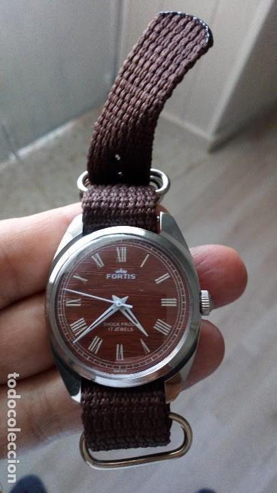 Relojes de pulsera: VINTAGE RELOJ DEPORTIVO SUIZO FORTÍS IMITACIÓN MADERA INTERIOR NUEVO. - Foto 3 - 134372798