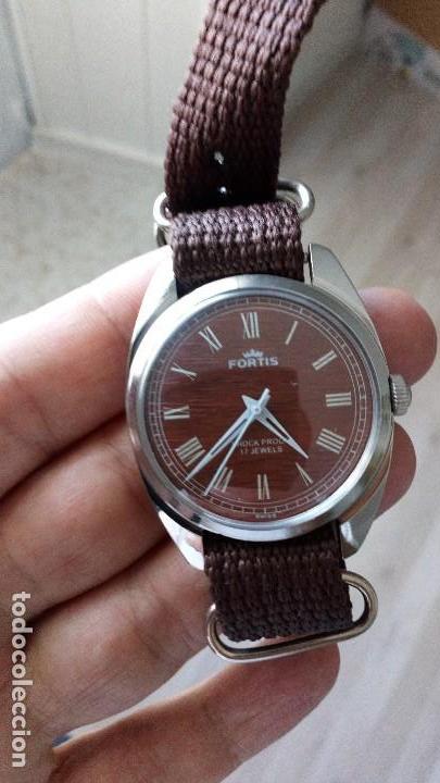 VINTAGE RELOJ DEPORTIVO SUIZO FORTÍS IMITACIÓN MADERA INTERIOR NUEVO. (Relojes - Pulsera Carga Manual)