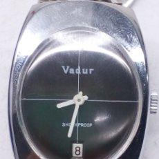 Relojes de pulsera: RELOJ VADUR CORREA VINTAGE FUNCIONA PERFECTAMENTE. Lote 139462049
