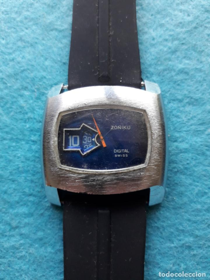 RELOJ DIGITAL MECÁNICO ANTIGUO. MARCA ZONIKU DE CABALLERO (Relojes - Pulsera Carga Manual)