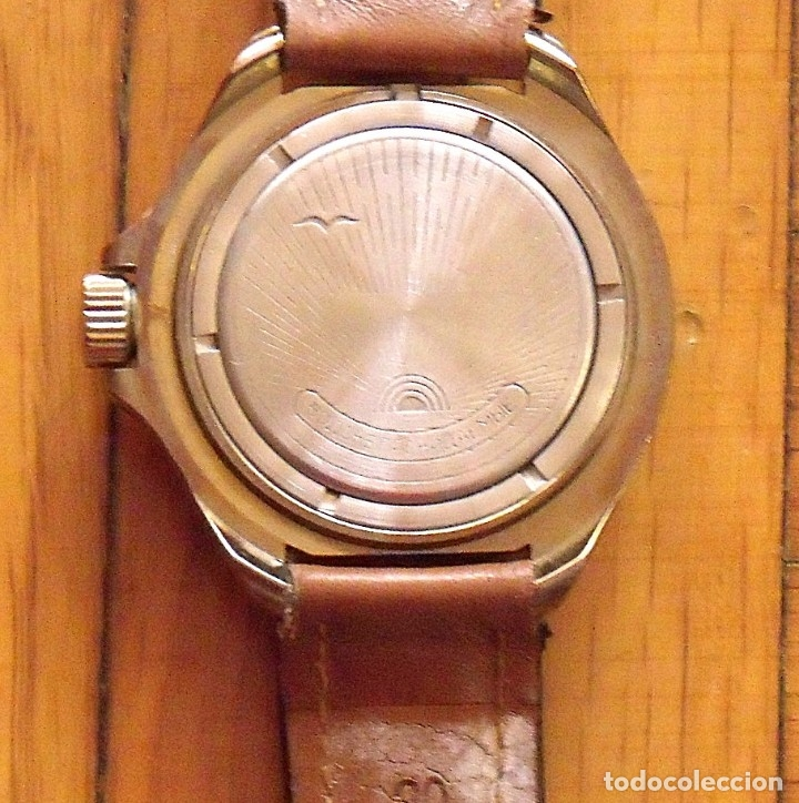 Relojes de pulsera: Reloj ruso Vostok Komandirskie. Con paracaídas. Ejército del Aire. Años 70. 40 mm. Funciona. - Foto 6 - 149335354