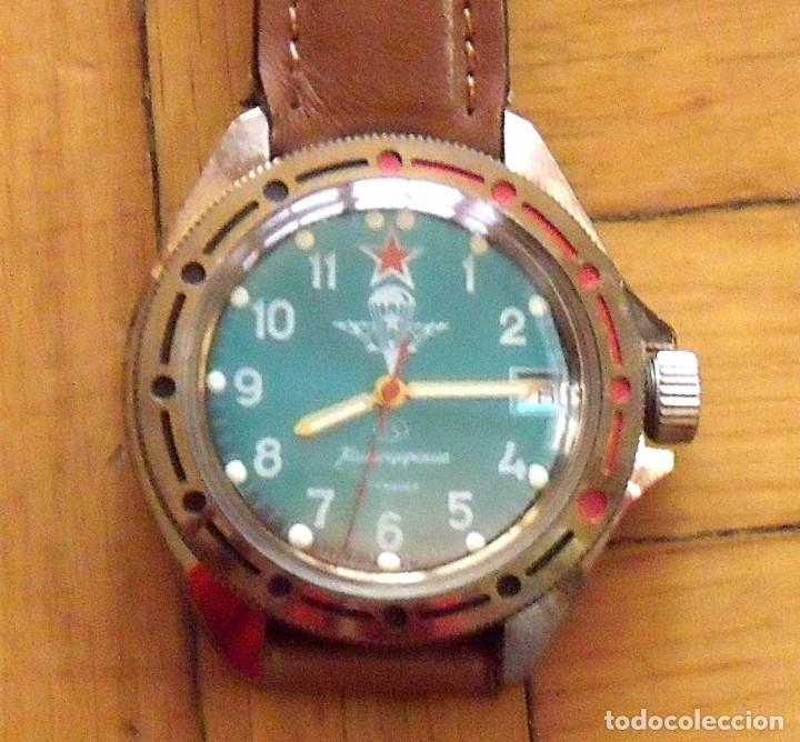 Relojes de pulsera: Reloj ruso Vostok Komandirskie. Con paracaídas. Ejército del Aire. Años 70. 40 mm. Funciona. - Foto 7 - 149335354