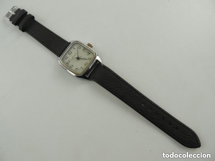 Relojes de pulsera: Antiguo Reloj Pulsera de Marca Raketa con Calendario Años 60 USSR Rusia Carga Manual - Foto 2 - 156555690