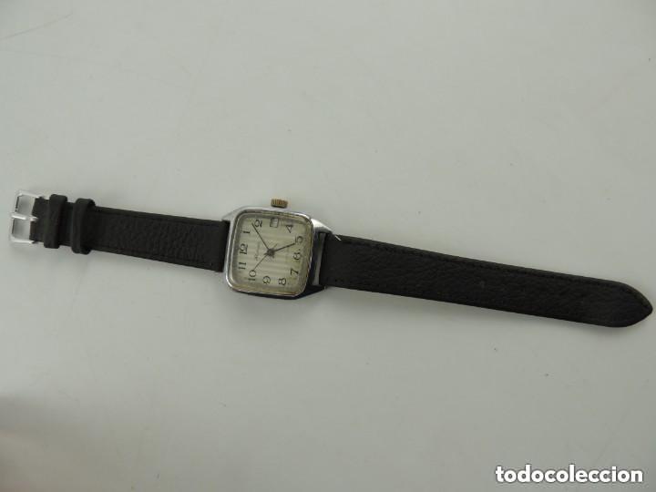 Relojes de pulsera: Antiguo Reloj Pulsera de Marca Raketa con Calendario Años 60 USSR Rusia Carga Manual - Foto 3 - 156555690