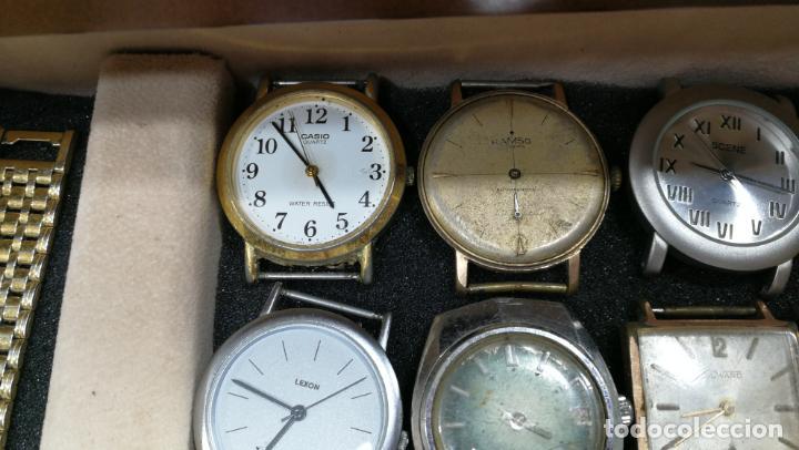Relojes de pulsera: BOTITO MUEBLE VITRINA DE MADERA DE RAÍZ, MUY COMPACTO. REGALO LOS 45 RELOJES QUE HAY DENTRO - Foto 31 - 159451422