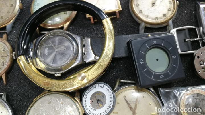 Relojes de pulsera: BOTITO MUEBLE VITRINA DE MADERA DE RAÍZ, MUY COMPACTO. REGALO LOS 45 RELOJES QUE HAY DENTRO - Foto 41 - 159451422