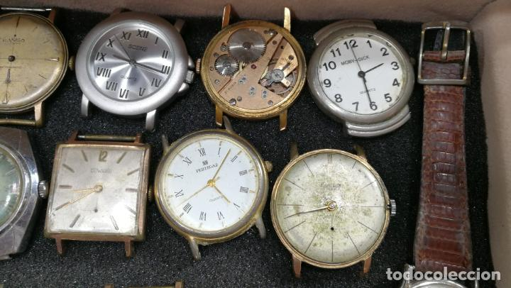 Relojes de pulsera: BOTITO MUEBLE VITRINA DE MADERA DE RAÍZ, MUY COMPACTO. REGALO LOS 45 RELOJES QUE HAY DENTRO - Foto 53 - 159451422