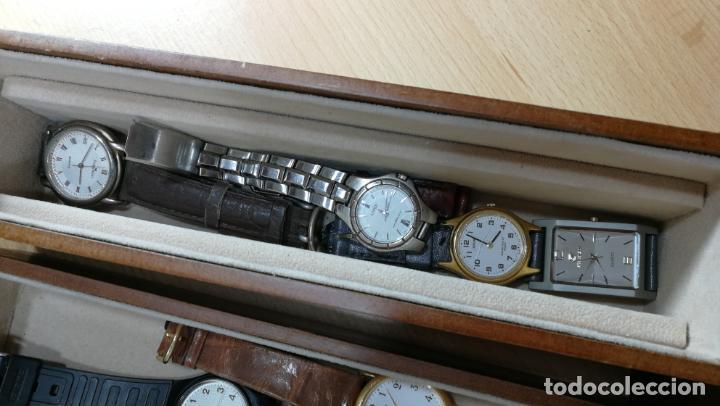Relojes de pulsera: BOTITO MUEBLE VITRINA DE MADERA DE RAÍZ, MUY COMPACTO. REGALO LOS 45 RELOJES QUE HAY DENTRO - Foto 58 - 159451422