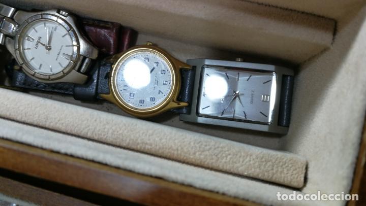 Relojes de pulsera: BOTITO MUEBLE VITRINA DE MADERA DE RAÍZ, MUY COMPACTO. REGALO LOS 45 RELOJES QUE HAY DENTRO - Foto 59 - 159451422