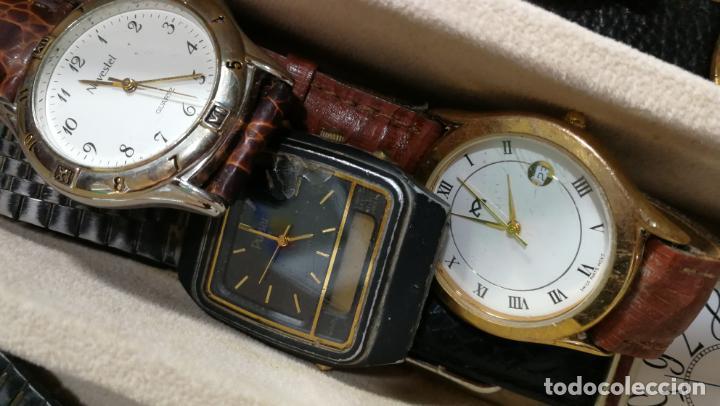 Relojes de pulsera: BOTITO MUEBLE VITRINA DE MADERA DE RAÍZ, MUY COMPACTO. REGALO LOS 45 RELOJES QUE HAY DENTRO - Foto 73 - 159451422