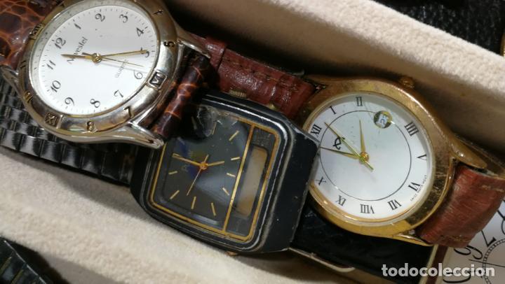 Relojes de pulsera: BOTITO MUEBLE VITRINA DE MADERA DE RAÍZ, MUY COMPACTO. REGALO LOS 45 RELOJES QUE HAY DENTRO - Foto 74 - 159451422