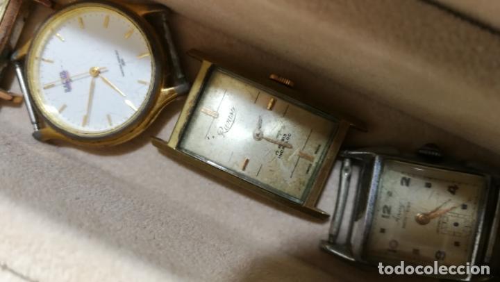 Relojes de pulsera: BOTITO MUEBLE VITRINA DE MADERA DE RAÍZ, MUY COMPACTO. REGALO LOS 45 RELOJES QUE HAY DENTRO - Foto 80 - 159451422