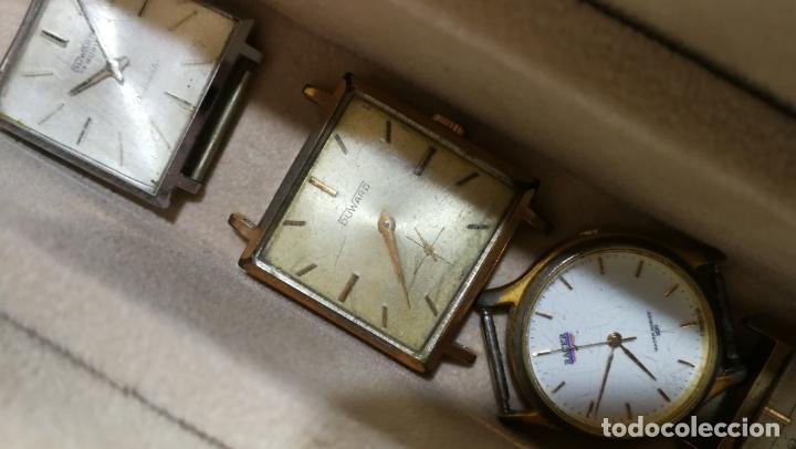 Relojes de pulsera: BOTITO MUEBLE VITRINA DE MADERA DE RAÍZ, MUY COMPACTO. REGALO LOS 45 RELOJES QUE HAY DENTRO - Foto 82 - 159451422