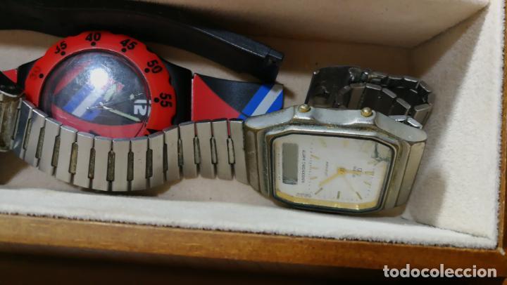 Relojes de pulsera: BOTITO MUEBLE VITRINA DE MADERA DE RAÍZ, MUY COMPACTO. REGALO LOS 45 RELOJES QUE HAY DENTRO - Foto 86 - 159451422
