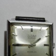 Relojes de pulsera: RELOJ DE PULSERA, MARCA TITAN, 17 RUBIS, INCABLOC, CUADRADO, FUNCIONA. Lote 172583299