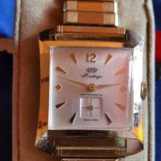 Relojes de pulsera: RARO RELOJ DE PULSERA HERITAGE CON CALENDARIO. Lote 173465389