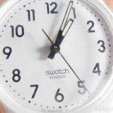 Relojes de pulsera: BONITO SWATCH SIN USO FIN DE STOK !!!!! AÑO 2009 FUNCIONA PERFECTO LOTE WATCHES. Lote 174522583