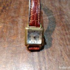 Montres-bracelets: ANTIGUO RELOJ DE PULSERA GALES, CON CRISTAL CURVO. CARGA MANUAL. FUNCIONANDO. 2 X 2 CMS.. Lote 53779443