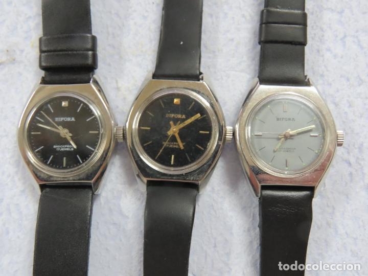 Relojes de pulsera: LOTE DE 3 RELOJES DE PULSERA MARCA BIFORA DE CUERDA MECANICOS, DE LOS AÑOS 50, CORREAS DE CUERO - Foto 2 - 175536095