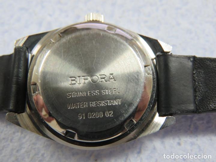 Relojes de pulsera: LOTE DE 3 RELOJES DE PULSERA MARCA BIFORA DE CUERDA MECANICOS, DE LOS AÑOS 50, CORREAS DE CUERO - Foto 11 - 175536095