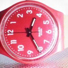 Relojes de pulsera: BONITO SWATCH UNISEX AÑO 2009 MUY BUEN ESTADO FUNCIONA PERFECTO LOTE WATCHES. Lote 176520782