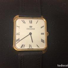 Relojes de pulsera: RELOJ CABALLERO MARCA DELKAR CARGA MANUAL CON ZAFIRO AZUL EN LA CORONA. Lote 176922553