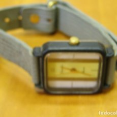 Relojes de pulsera: ANTIGUO RELOJ DE PULSERA DE SEÑORA. SONAR.FUNCIONA. SIN USO DE ANTIGUA TIENDA. Lote 178576111