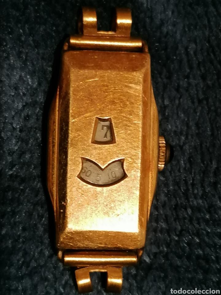 RELOJ SUIZO CON HORAS Y MINUTOS EN VENTANAS (Relojes - Pulsera Carga Manual)