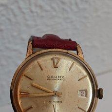 Relojes de pulsera: ANTIGUO RELOJ CAUNY CALENDARIO DE LUXE ORO 10 MICRAS. Lote 194535677