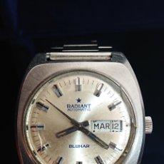 Relojes de pulsera: ANTIGUO RELOJ DE CABALLERO RADIANT BLUMAR DOBLE CALENDARIO CARGA MANUAL. Lote 194638697