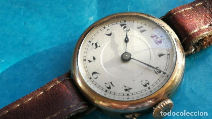 Relojes de pulsera: Botito y rarote reloj de pulsera, funciona pero a veces se para, por tanto para reparar o piezas - Foto 2 - 195048415