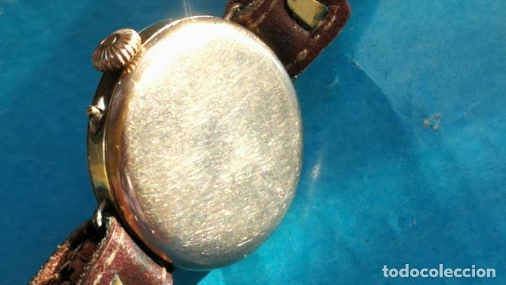 Relojes de pulsera: Botito y rarote reloj de pulsera, funciona pero a veces se para, por tanto para reparar o piezas - Foto 4 - 195048415