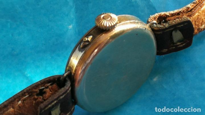 Relojes de pulsera: Botito y rarote reloj de pulsera, funciona pero a veces se para, por tanto para reparar o piezas - Foto 5 - 195048415