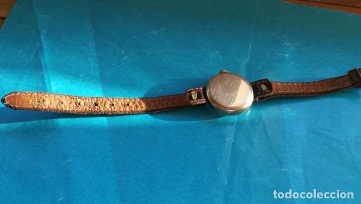 Relojes de pulsera: Botito y rarote reloj de pulsera, funciona pero a veces se para, por tanto para reparar o piezas - Foto 8 - 195048415
