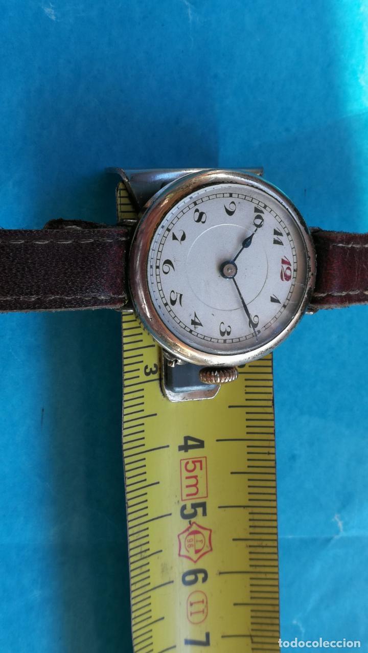 Relojes de pulsera: Botito y rarote reloj de pulsera, funciona pero a veces se para, por tanto para reparar o piezas - Foto 14 - 195048415