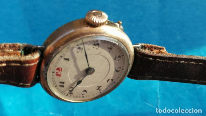Relojes de pulsera: Botito y rarote reloj de pulsera, funciona pero a veces se para, por tanto para reparar o piezas - Foto 16 - 195048415