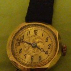 Relógios de pulso: ANTIGUO RELOJ DE SEÑORA DE ORO 18K,CON DIBUJO GRABADO EN EL INTERIOR.SIRCA 1900. Lote 196122632